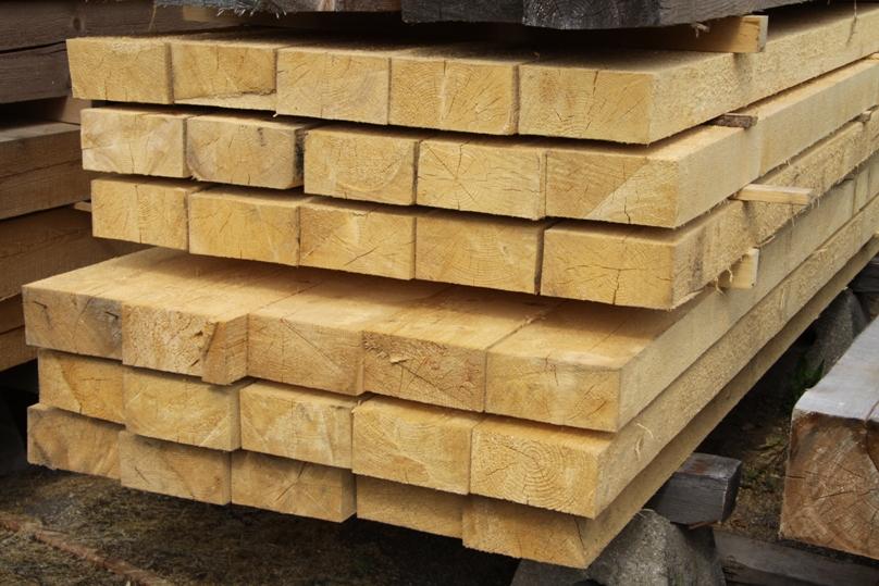 skladovani dřeva, jak uložit prkna